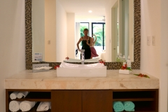 anah suites bath