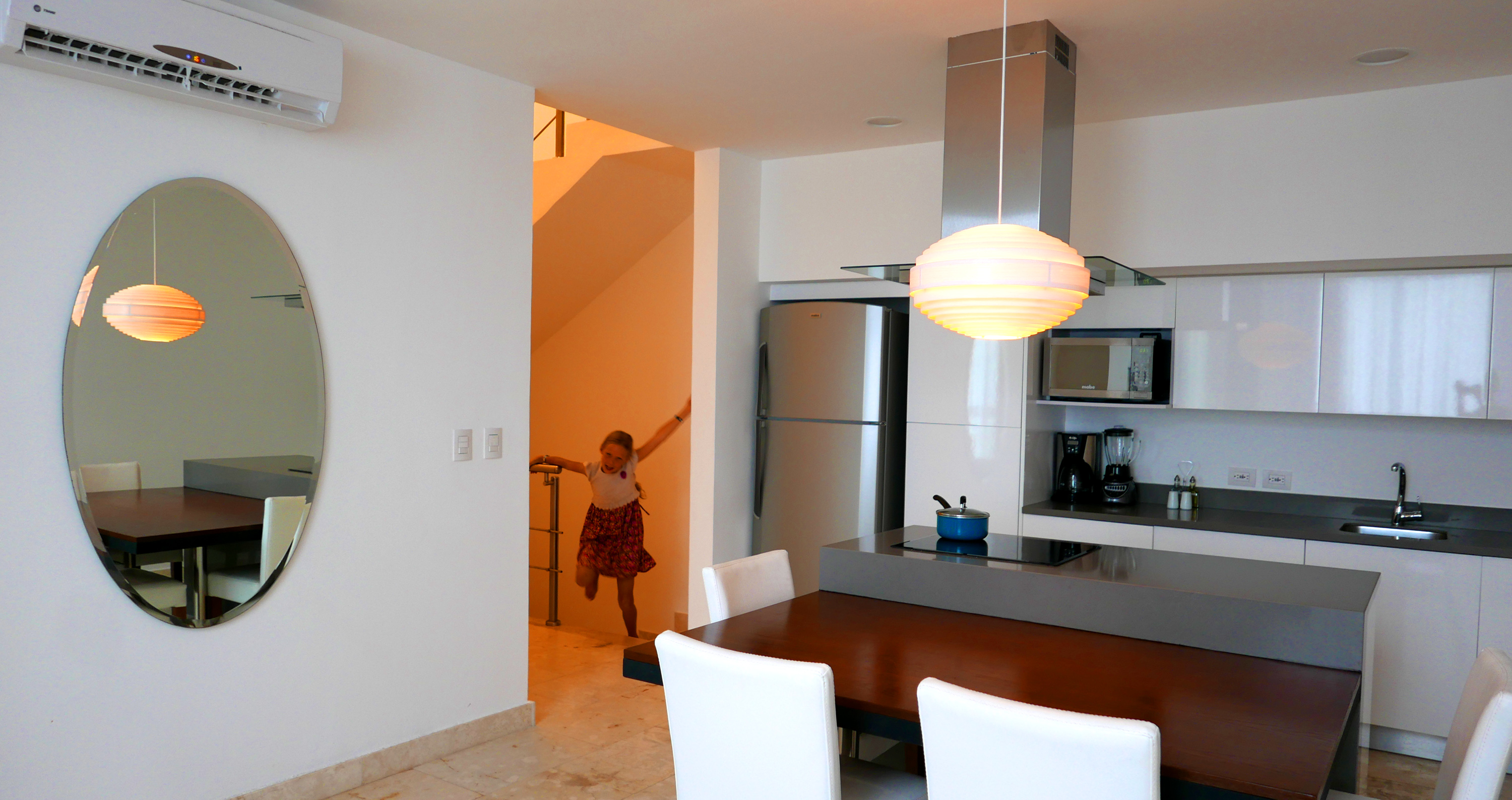 anah suites dining room