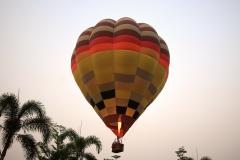 Balloon over Chiang Mai 3