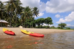 There is a beautiful coral reef just in front of the resort... absolutely amazing! We went there with the kayaks.