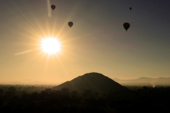 balloon over teotihuacan 10