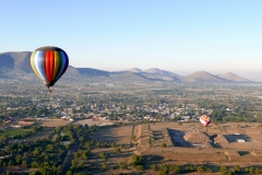 balloon over teotihuacan 6