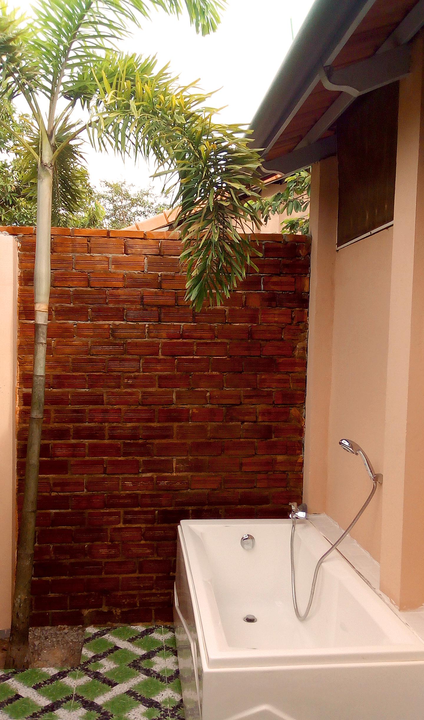 Gold Sand Beach Bungalow bathroom