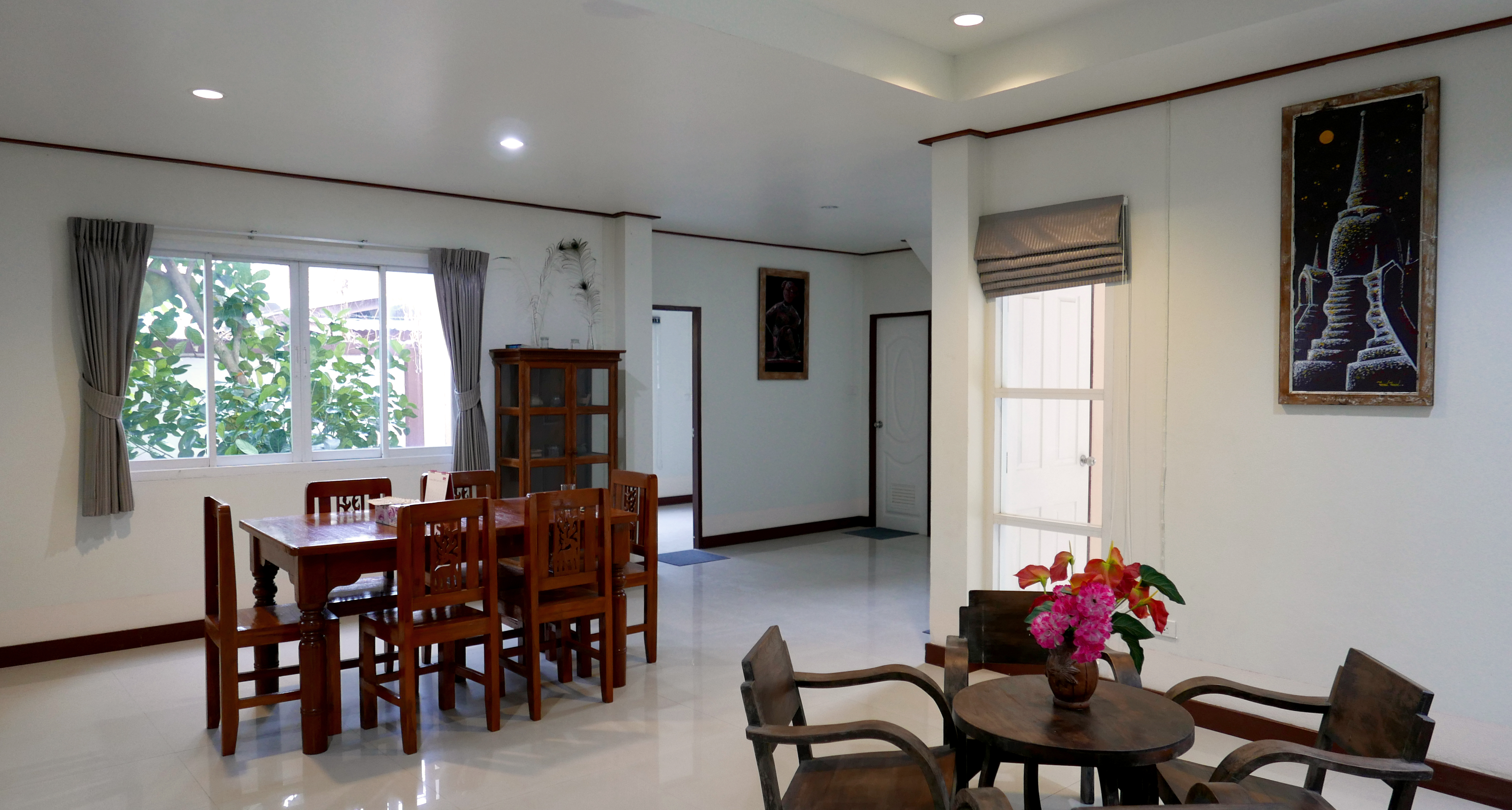 Kamalar Palace dining room