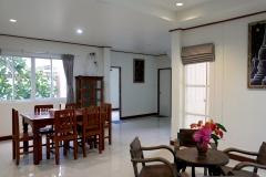 Kamalar Palace dining room