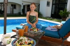 villas parota lunch at pool