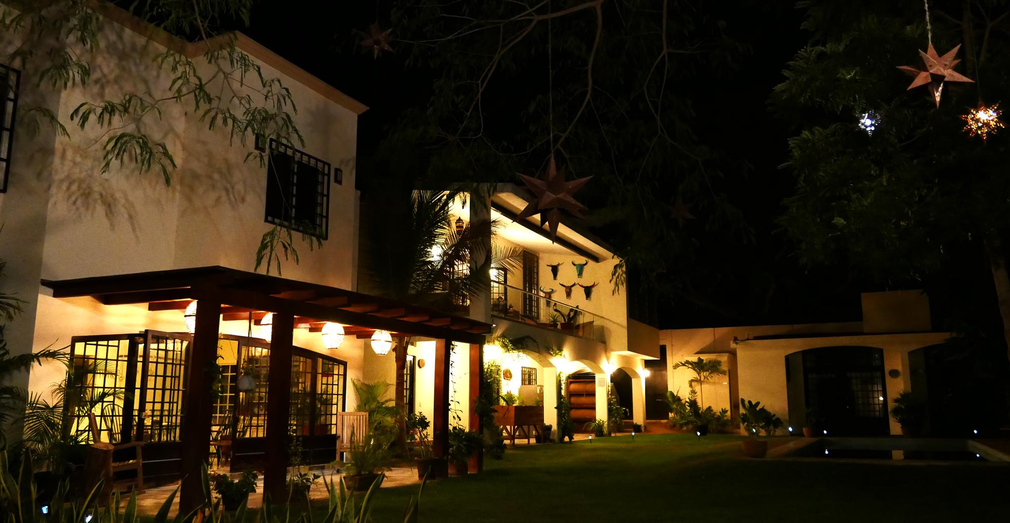 villas parota by night 1