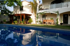 villas parota pool