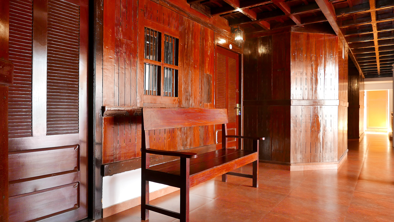 Kerala traditional wooden house Sukhayus