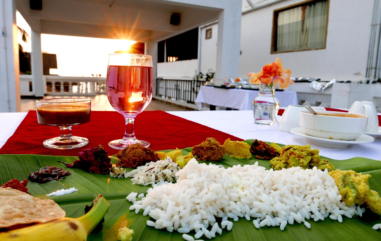 Sukhayus Cherai Ayurveda Resort dinner