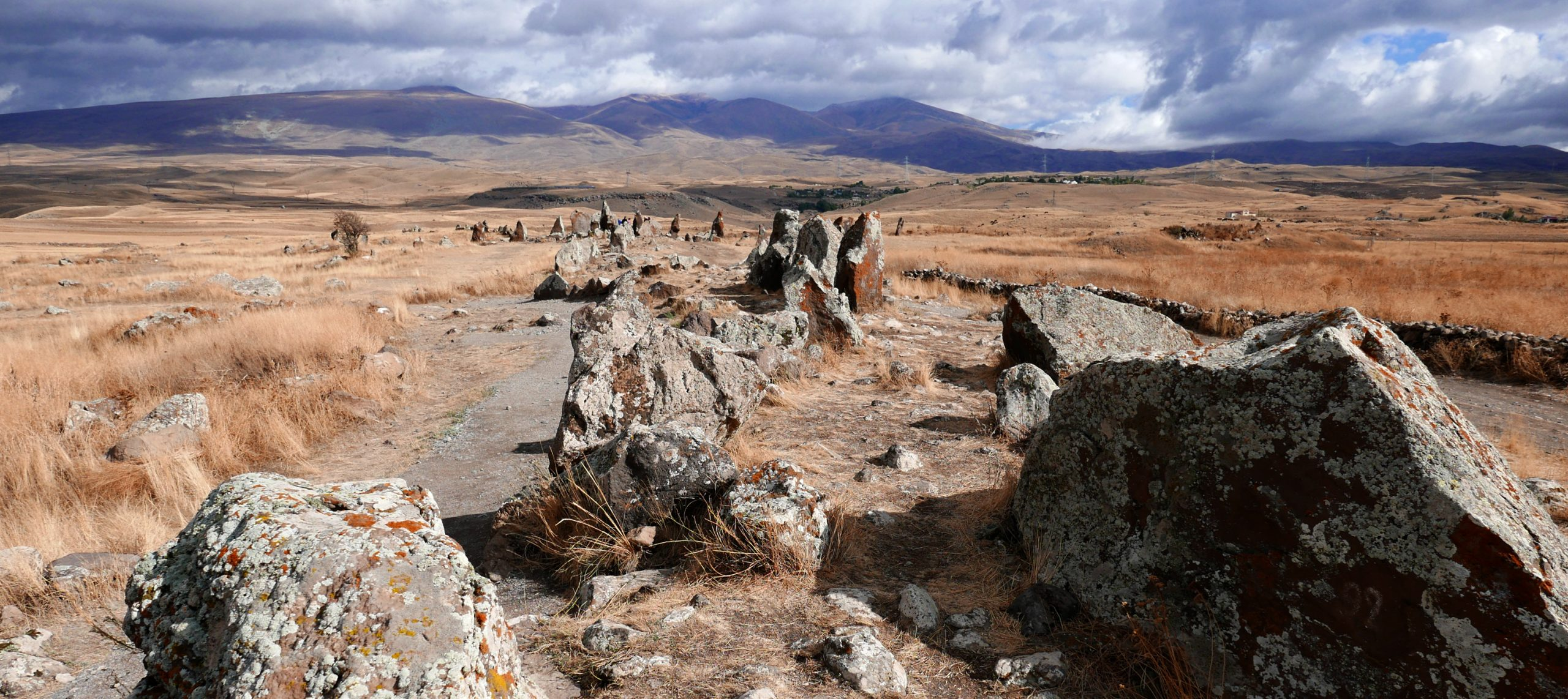 armenia travel carahunge